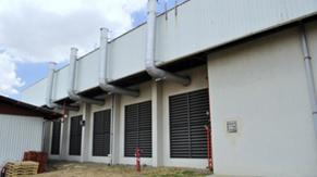 Chimeneas de los generadores de emergencia
