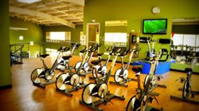 Centro de bienestar: las pantallas de los equipos son activadas al pedalear