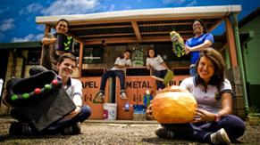 Centro de reciclaje y proyectos de reutilización de materiales en el liceo de Belén